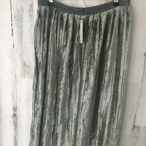 Anthropologie bl^nk Gray Silver Pleated Midi Skirt